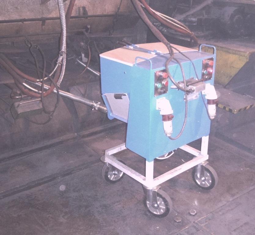 Detailní pohled na instalovaný podavač - - - A more detailed view of the installed feeder